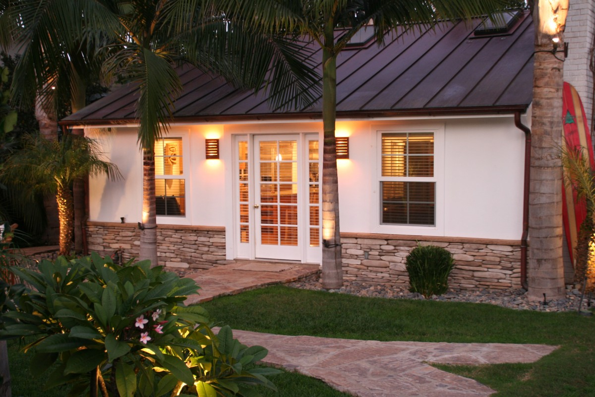 Plantation beach cottage vacation rental in encinitas for Vacation cottage